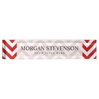 赤と白のジグザグ形のストライプなシェブロンパターン デスクネームプレート