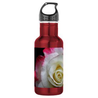 赤と白バラの水差しの終わり ウォーターボトル