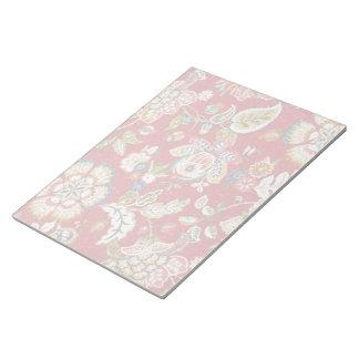 赤のきらびやかな花のタペストリー ノートパッド