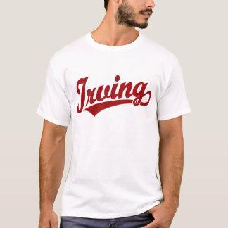 赤のアービングの原稿のロゴ Tシャツ