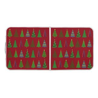 赤のクリスマスツリーのロット ビアポンテーブル
