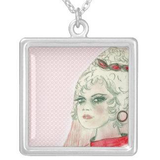 赤のレトロの女の子 シルバープレートネックレス