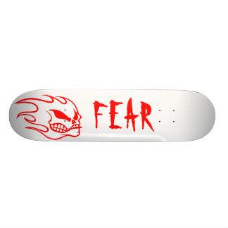 赤の白い恐れのスケートボードのデッキ オリジナルスケートボード