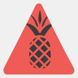 赤の黒いマツApple 三角形シール