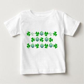 赤ん坊ジャージーTワイシャツ白のセントパトリックの日のデザイン ベビーTシャツ