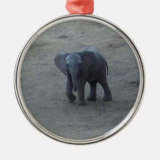 赤ん坊象(選別されるプロダクト) メタルオーナメント