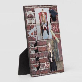 赤レンガの壁DIYの写真-卒業生 フォトプラーク