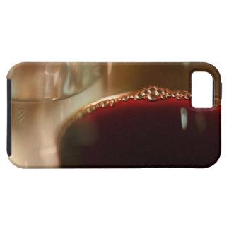 赤ワインが付いているガラスのクローズアップ iPhone SE/5/5s ケース