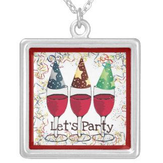 赤ワインのパーティーの帽子のプリントをパーティを楽しもう シルバープレートネックレス