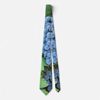 赤ワインのブドウ ネクタイ