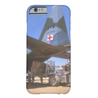 赤十字はbeing_Military航空機を供給します Barely There iPhone 6 ケース
