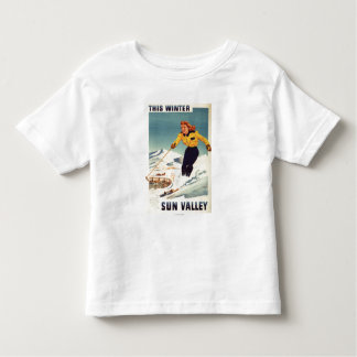 赤毛の女性の微笑し、スキーポスター トドラーTシャツ