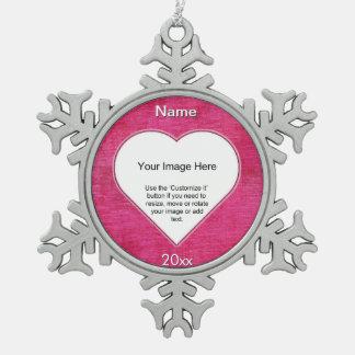 赤紫のシュニールのハートの形の写真フレームのテンプレート スノーフレークピューターオーナメント