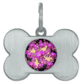 赤紫のピンクの蘭のクリーム及び黒いパターンギフト ペットネームタグ