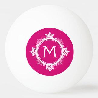 赤紫のピンク及び白の雪片のリースのモノグラム 卓球ボール