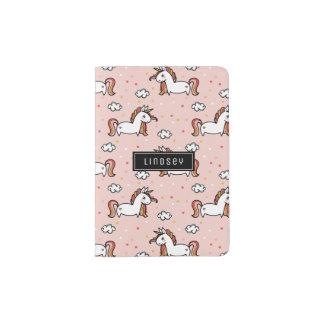 赤面のピンクのユニコーンパターン-名前をカスタムする パスポートカバー