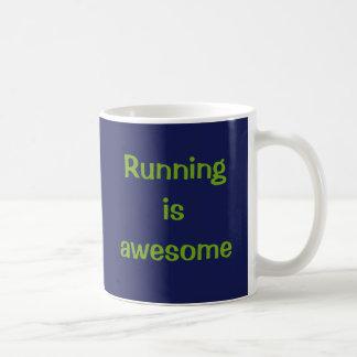 走ることは素晴らしいです コーヒーマグカップ
