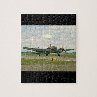 走路の。_WWIIの飛行機のぽんこつ自動車JU88 ジグソーパズル