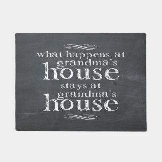 起こる何が祖母の家で黒板 ドアマット