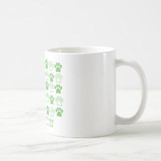 足のAiredaleテリアによる緑の足 コーヒーマグカップ