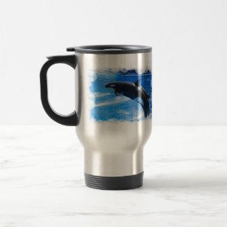 跳躍のシャチのクジラ トラベルマグ