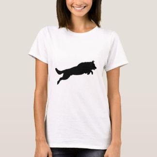 跳躍のジャーマン・シェパードのシルエット愛犬 Tシャツ