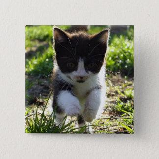 跳躍の子猫 5.1CM 正方形バッジ