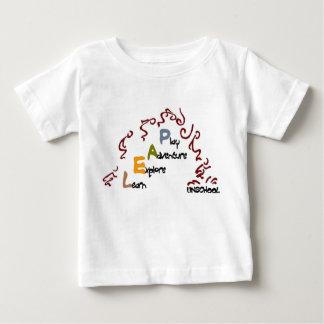 跳躍のunschoolのベビーのティー ベビーTシャツ