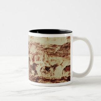 跳躍牛の石の絵画 ツートーンマグカップ