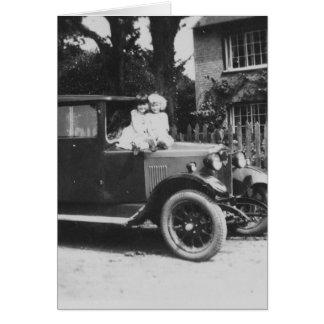 車の古く黒く及び白いイメージの挨拶状の女の子 カード