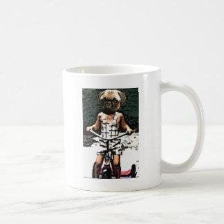 車輪のパグ コーヒーマグカップ