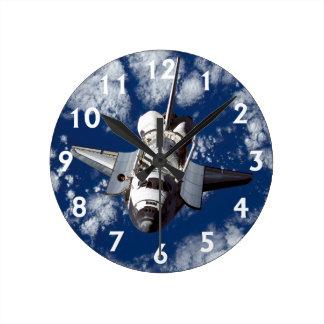 軌道のスペースシャトル ラウンド壁時計