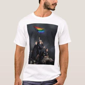 軍のゲイプライド Tシャツ