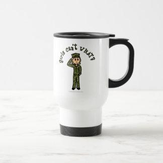 軍の女の子-ブロンドの女性 トラベルマグ