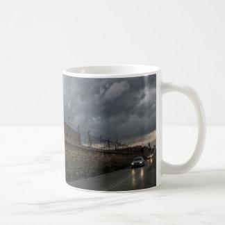 軍の町の通り コーヒーマグカップ