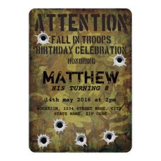 軍隊のカムフラージュの弾痕の子供の誕生日 カード