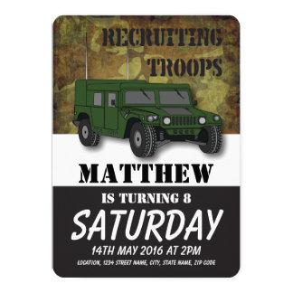 軍隊のカムフラージュの軍のトラックの子供の誕生日 カード