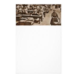 軍需品箱の工場女性 便箋