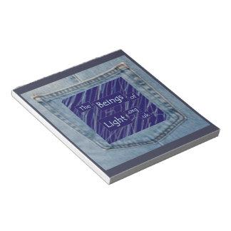 軽いジーンズのポケット印刷のメモ帳の存在 ノートパッド