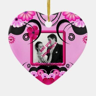 軽い赤紫の花の結婚式のハートの写真のオーナメント セラミックオーナメント