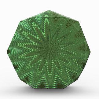 輝きのエメラルドグリーン: 花のチャクラの表示Deco 表彰盾