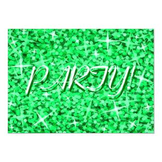 輝きの緑の「パーティー!」 招待のセントパトリックの日 カード