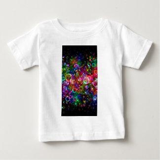 輝きの虹の泡 ベビーTシャツ