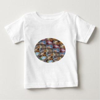 輝きの青のステンドグラスnの幸せな抽象美術 ベビーTシャツ