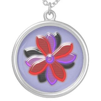 輝くなデイジーの花のネックレス シルバープレートネックレス