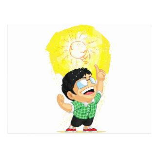 輝くな電球のアイディアを持っている子供 ポストカード