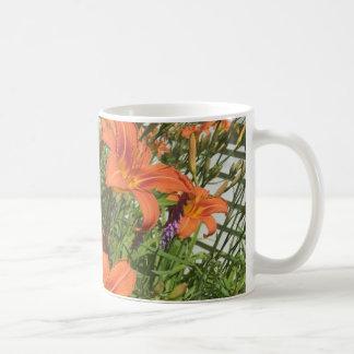 農場のコーヒー・マグのオレンジワスレグサ コーヒーマグカップ