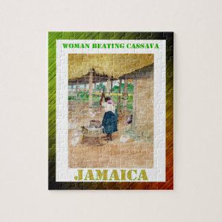 農場のジャマイカの女性の打つカッサバ ジグソーパズル