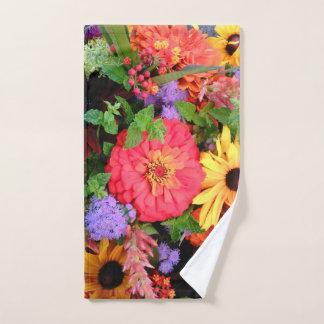 農家の市場から新しい花の花束 ハンドタオル