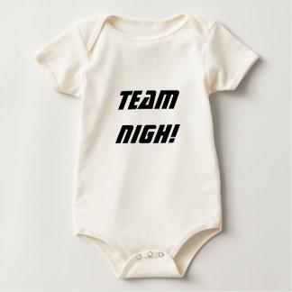 近い地平線- Nighチーム! 幼児オーガニックなクリーパー ベビーボディスーツ